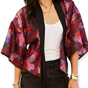 Urban Outfitters One & Only X Urban Renewal Tie front Floral Kimono Top
